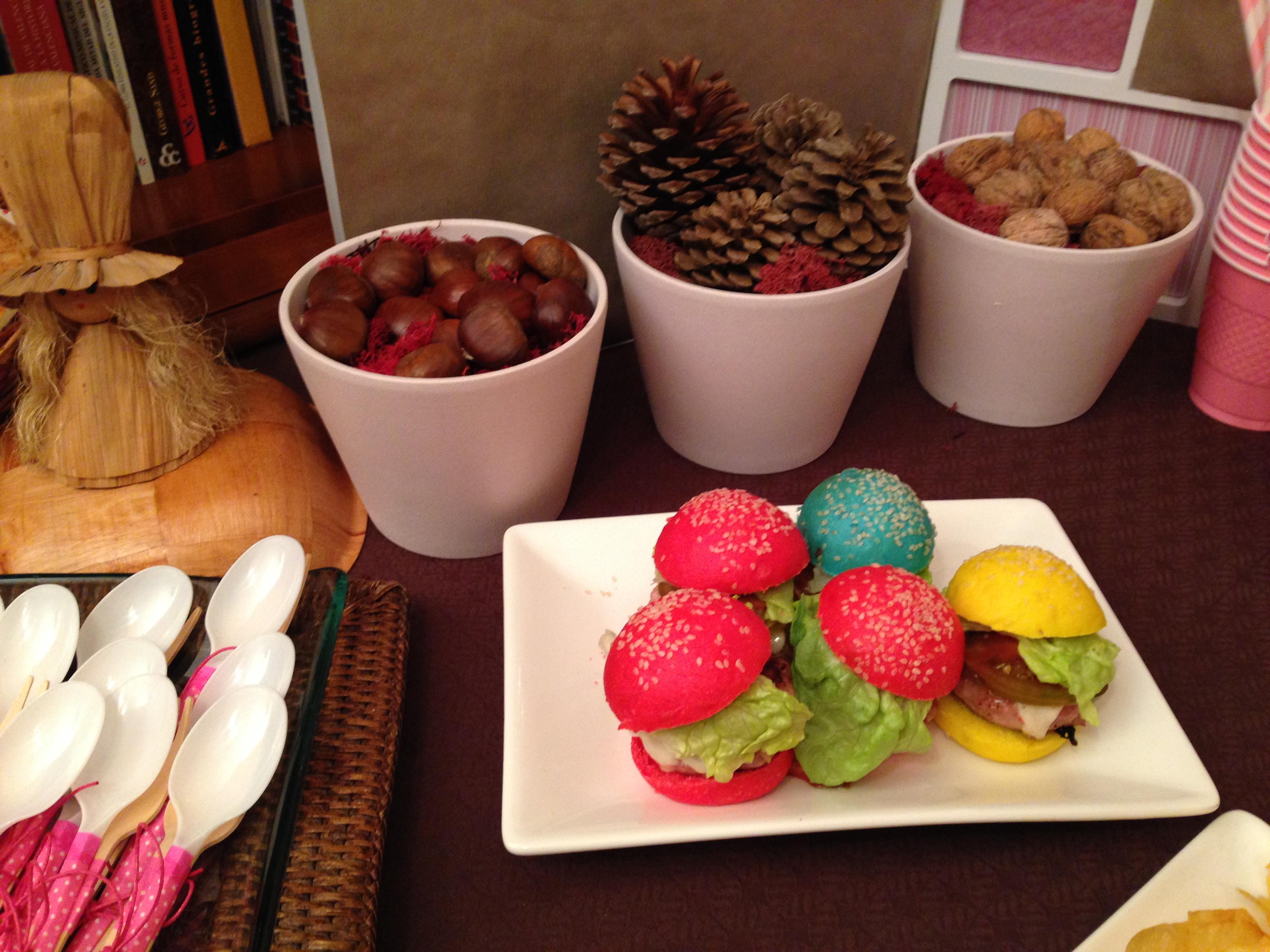 mesa hamburguesas de colores 2