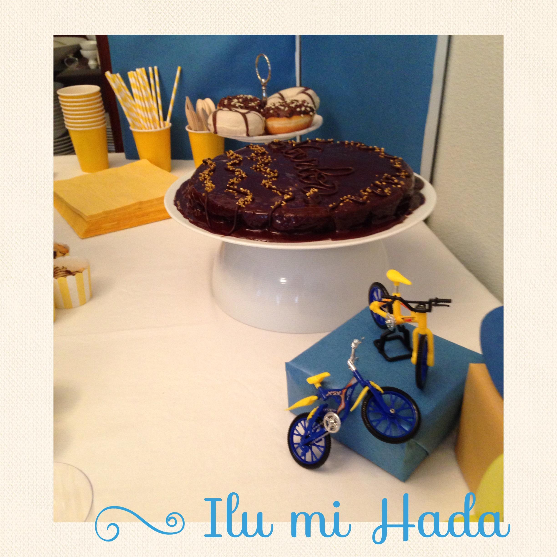 7. Adornos y tarta