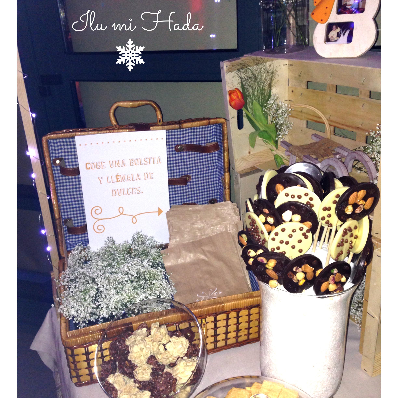 27. Detalle cesta de picnic y dulces