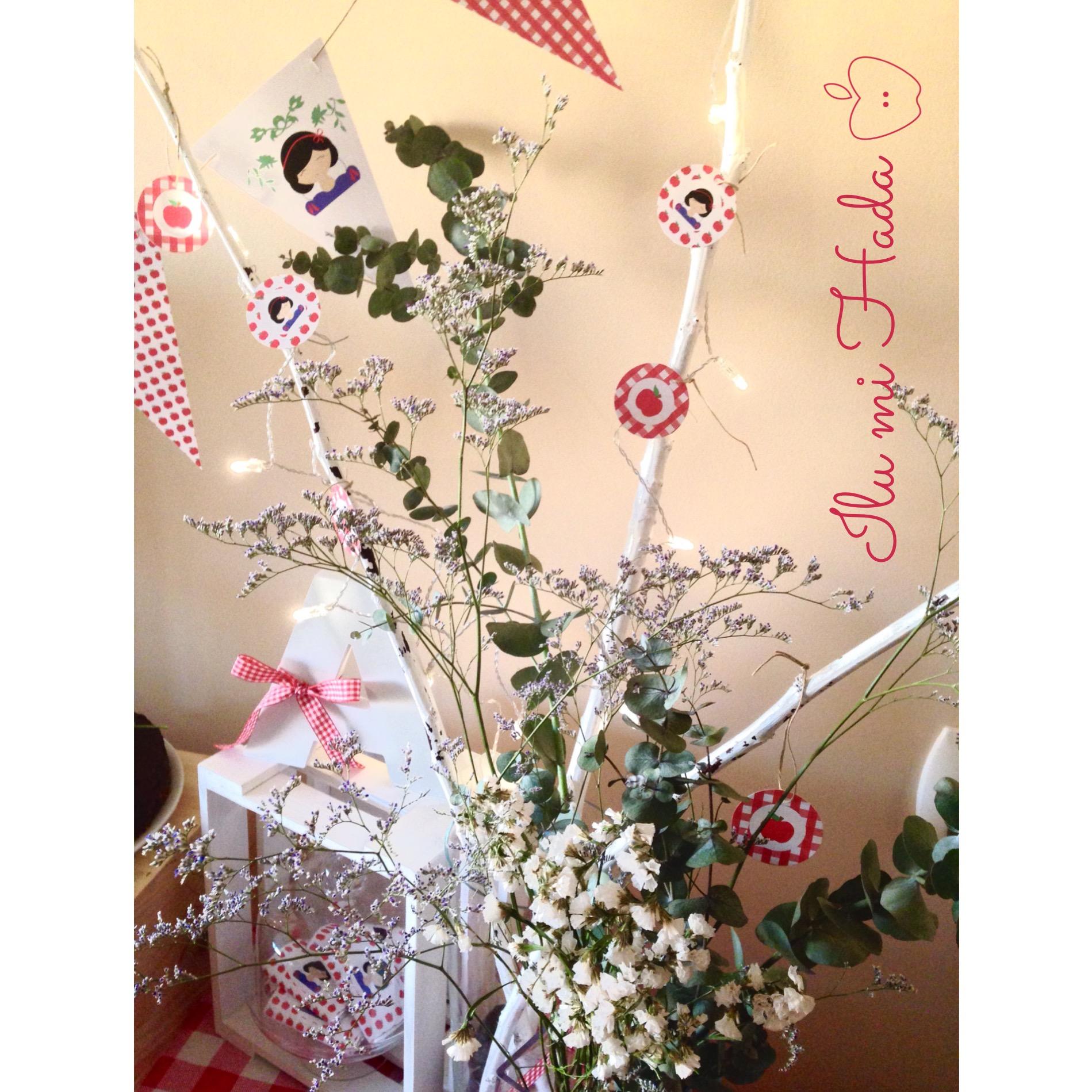 6. Letra A y adorno floral