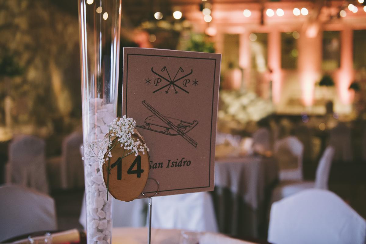 5. Mesero mesa invitados