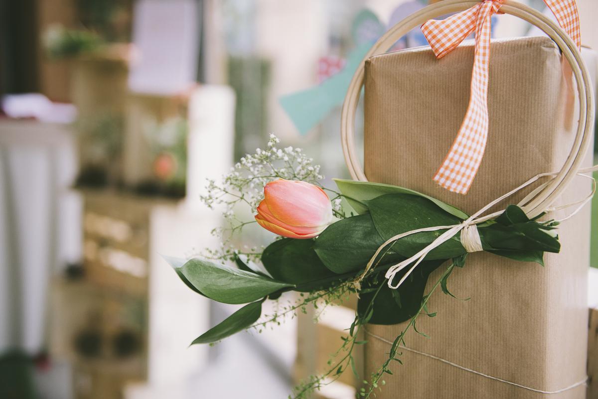 8. Detalle flores photocall